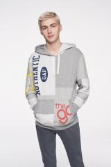 Gapの『Logo Remix Collection』グローバルキャンペーンに起用されたマイルズ・ヘイザー