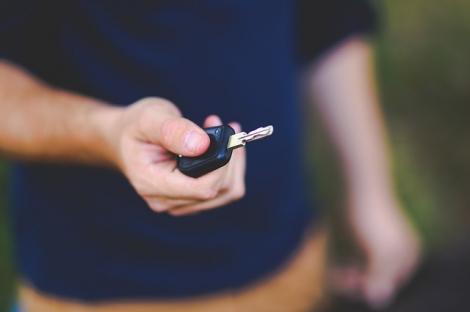 同居している家族の保険を掛け替えるテクニック(写真はイメージ)