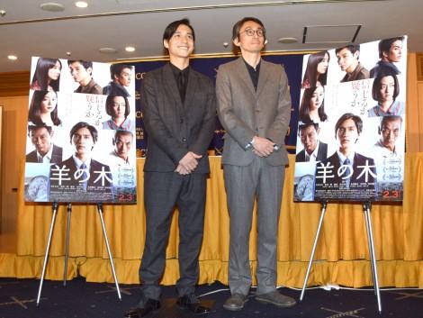 映画『羊の木』の記者会見に出席した(左から)錦戸亮、吉田大八 (C)ORICON NewS inc.