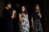 (左から)イジリ—岡田・板野友美・大島麻衣