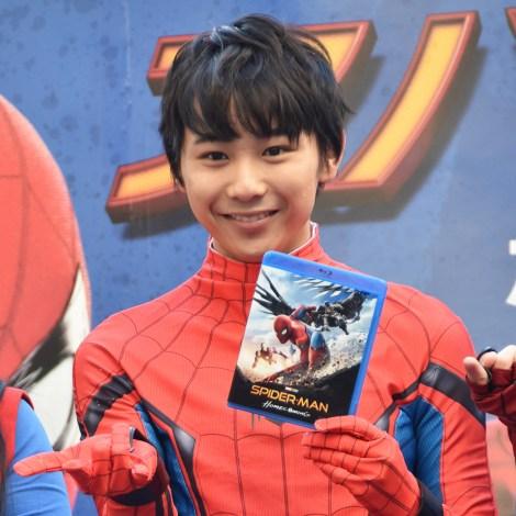 映画『スパイダーマン:ホームカミング』BD&DVD発売記念ケーブルカーバスお披露目式に出席した須賀健太 (C)ORICON NewS inc.