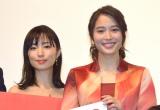映画『巫女っちゃけん。』初日舞台あいさつに出席した(左から)MEGUMI、広瀬アリス (C)ORICON NewS inc.