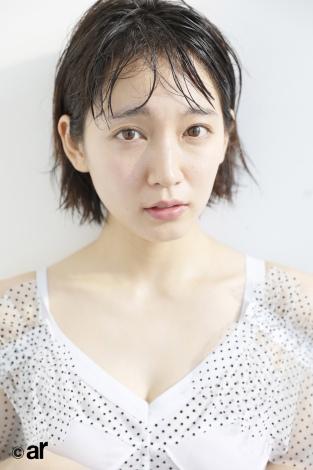 サムネイル 『ar』3月号に登場する吉岡里帆
