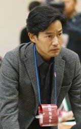 主演の竹野内豊(C)テレビ東京