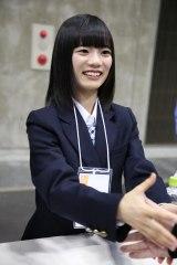 チームKIIに加入する中野愛理が握手会にも参加