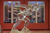 平昌冬季五輪12日のハイライト、女子スピードスケートの氷像が完成