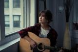 シングル「どうして恋してこんな」を発売した宇野実彩子