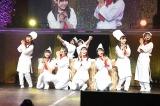 AKB48メンバーかパティシエ姿で「スイート&ビター」(C)AKS