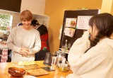 映画『ママレード・ボーイ』で共演する(左から)吉沢亮、桜井日奈子(C)吉住渉/集英社 (C)2018 映画「ママレード・ボーイ」製作委員会
