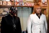 日曜劇場『99.9−刑事専門弁護士− SEASONII』第6話に出演する 内藤哲也(右)とBUSHI(左) (C)TBS