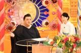 3月6日に放送されるTBS系バラエティー番組『マツコの知らない世界』(毎週火曜 後8:57)に出演するマツコ・デラックスと吉永小百合 (C)TBS