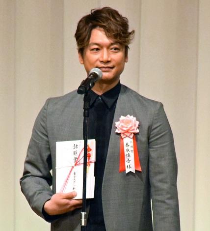 東スポ主催の授賞式で「話題賞」を受賞した香取慎吾 (C)ORICON NewS inc.