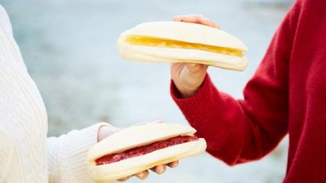 サムネイル 白さを残した焼き上がりと、しっとり柔らかな食感が特長の「やわらかシロコッペ」