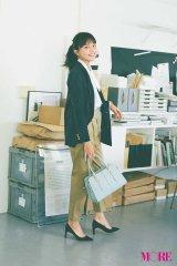 『MORE』4月号で新人OLを演じた川口春奈(撮影/尾身沙紀) (C)MORE2018年4月号/集英社