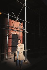 写真集『about time』の先行カットを公開したAAA・宇野実彩子