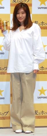 『サッポロ 麦とホップ』新CM発表会に出席した篠原涼子 (C)ORICON NewS inc.