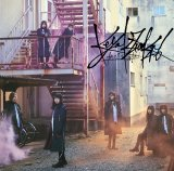 欅坂46の6thシングル「ガラスを割れ!」初回仕様限定盤TYPE-D