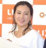 真っ白な清楚な衣装で登場した堂珍敦子 (C)ORICON NewS inc.