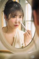『NMB48 吉田朱里 ビューティーフォトブック IDOL MAKE BIBLE@アカリン2』 (C)主婦の友社