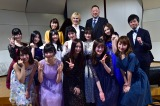 審査員は(後列左から)新妻聖子、作曲家・井上ヨシマサ氏、名古屋音楽大学学部長・松下雅人氏が担当