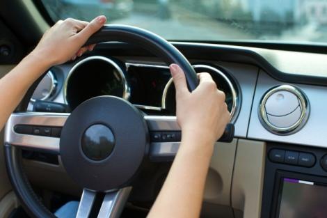 搭載率が年々上昇傾向にあるドライブレコーダー。搭載するメリットを紹介する(写真はイメージ)