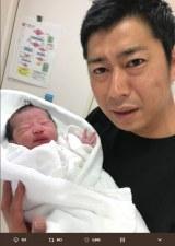 パンサー・尾形貴弘に第1子女児が誕生(※写真は公式ツイッターより)