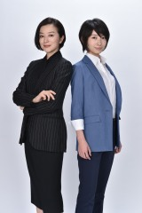 波瑠(右)と鈴木京香(左)が初共演、新番組『未解決の女 警視庁文書捜査官』4月スタート(C)テレビ朝日