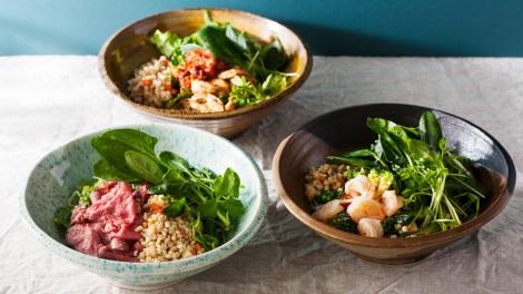サムネイル 1日に必要な野菜の約半分を1品で摂れる「有機野菜ともち麦のサラダボウル」