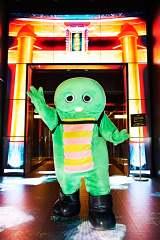 『フエルサ ブルータ  Panasonic presents WA!!』が公演中の東京・品川プリンスホテル「ステラボール」にて (写真:田辺佳子)