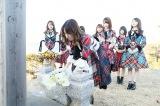福島県南相馬市で献花と黙祷を捧げるAK4B8グループ(C)AKS
