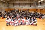 AKB48グループが宮城県牡鹿郡女川町の女川小学校で復興支援イベントを開催(C)AKS