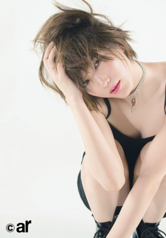 サムネイル 『ar』4月号に登場する本田翼