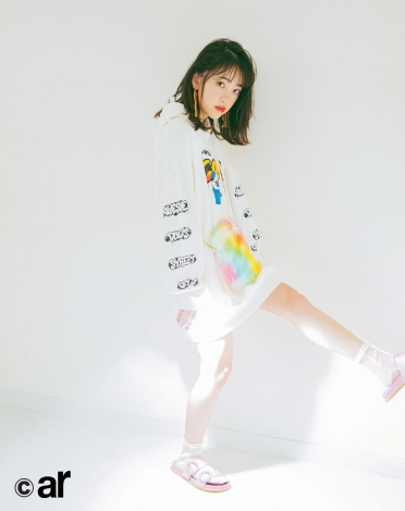 サムネイル 『ar』4月号に登場する乃木坂46・堀未央奈
