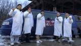 3月16日放送、テレビ東京系『ニッポンの技で世界を修理 世界!職人ワゴン』ドラキュラ城の修理に挑んだ職人たち(C)テレビ東京