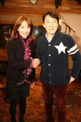かつての恋人同士で初デュエットを果たす(左から)伊藤咲子、城みちる