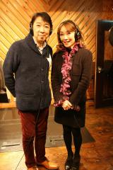 かつての恋人同士で初デュエットを果たす(左から)城みちる&伊藤咲子