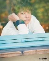 『JUNON』5月号に登場する香取慎吾