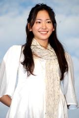 新垣結衣 (10月23日、映画『恋空』ハート雲バック絵作り&トークショーの時の様子)
