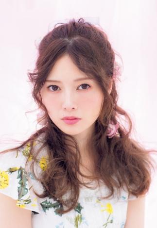 サムネイル 『LARME 033 May』に登場する乃木坂46・白石麻衣
