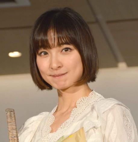 新作パン『Pan&』発売記念イベントに出席した篠田麻里子 (C)ORICON NewS inc.