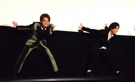 映画『曇天に笑う』上映後初日舞台あいさつでダンスを披露する中山優馬 (C)ORICON NewS inc.