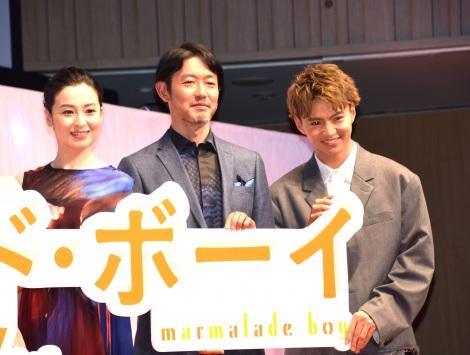 映画『ママレード・ボーイ』完成披露舞台あいさつ(左から)檀れい、筒井道隆、佐藤大樹