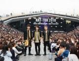 KAT-TUNがデビュー12周年記念日を迎えた22日、横浜・大さん橋で初の野外イベント『KAT-TUN 2018 FIRST IMPRESSION-Ask Yourself』を開催