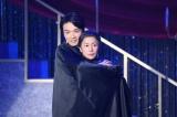 NHK総合『LIFE!〜人生に捧げるコント〜』(4月13日放送)に井上芳雄が初出演。コント「ダンサーの血」で西田尚美とダンス共演(C)NHK