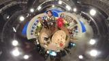 3月29日放送、NHK総合『超体感!エクストリーム・ミッション』360度カメラで撮影したスタジオ(C)NHK