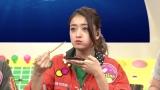 養殖マグロを食べる、みちょぱ(池田美優)=3月29日放送、NHK総合『超体感!エクストリーム・ミッション』(C)NHK