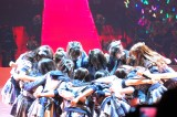 『AKB48単独コンサート〜ジャーバージャって何?』(昼公演)峯岸チームKが「転がる石になれ」前に円陣 (C)ORICON NewS inc.
