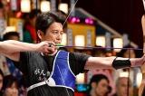 3月31日放送、TBS系『オールスター感謝祭'18春』より。アーチェリー対決で優勝した唐沢寿明 (C)TBS