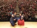 鹿児島・霧島市内で開催された『西郷どんの地・鹿児島を語るキャストトークショー』に出演した桜庭ななみ、渡部豪太(C)NHK
