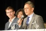 ミュージカル『生きる』の製作発表会見に出席した(左から)ジェイソン・ホーランド氏、宮本亜門氏 (C)ORICON NewS inc.